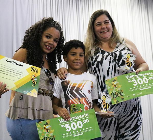 Aluno da EMEF Cecília Meireles vence concurso de soletração em inglês Spelling Bee