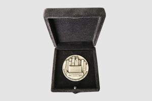 Presidente do Planneta Educação recebe Medalha Anchieta e Diploma de Gratidão da cidade de São Paulo